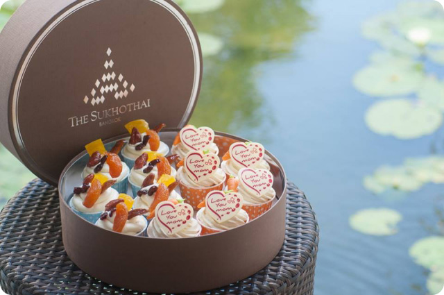 Sukhothai Love Mom Cup Cake Box