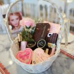 Too Faced Chocolate Party